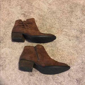 Born ankle boots EUC